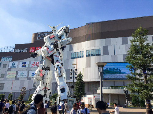 The Unicorn Gundam Statue