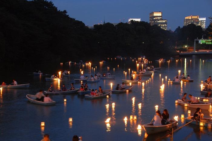 """""""Chiyoda-ku Noryo no Yube"""" (Lantern Floating Event)"""